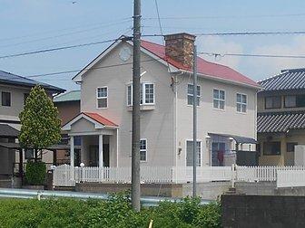大分市で戸建て住宅の屋根・外壁などの塗装工事を行いました。