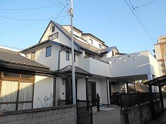 大分市大道方面で住宅の塗装工事を行いました。