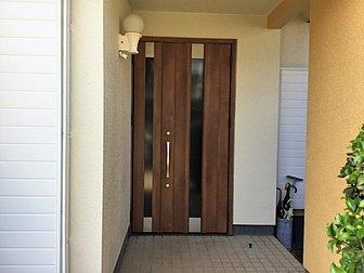 大分市で玄関ドアの取り換え工事を行いました。